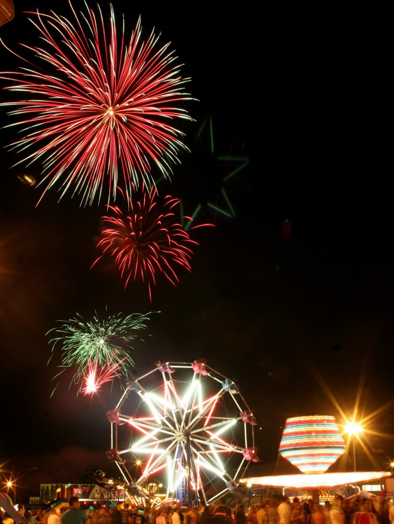 SSA-Fireworks-at-Oak-Bay-770x1024